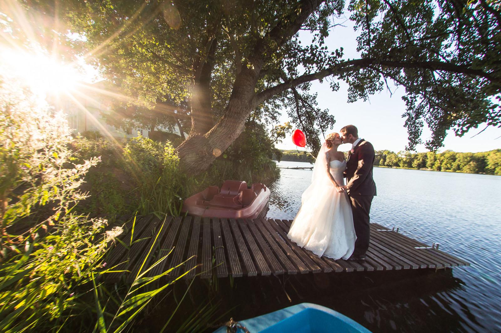 unterwegs als Hochzeitsfotograf bei Karoline & Oliver auf Schloss Schorssow in Mecklenburg