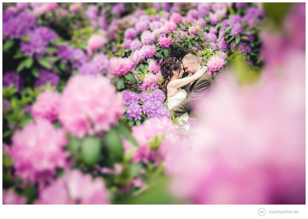 unterwegs als Hochzeitsfotograf auf Schloss Basthorst von der Ankleide bis zum ersten Tanz