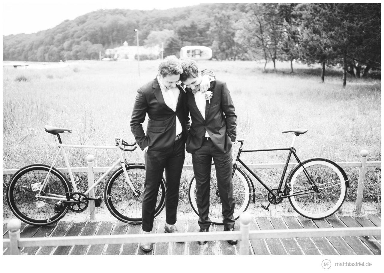 unterwegs als hochzeitsfotograf in binz im alten rettungsturm destination wedding photographer. Black Bedroom Furniture Sets. Home Design Ideas