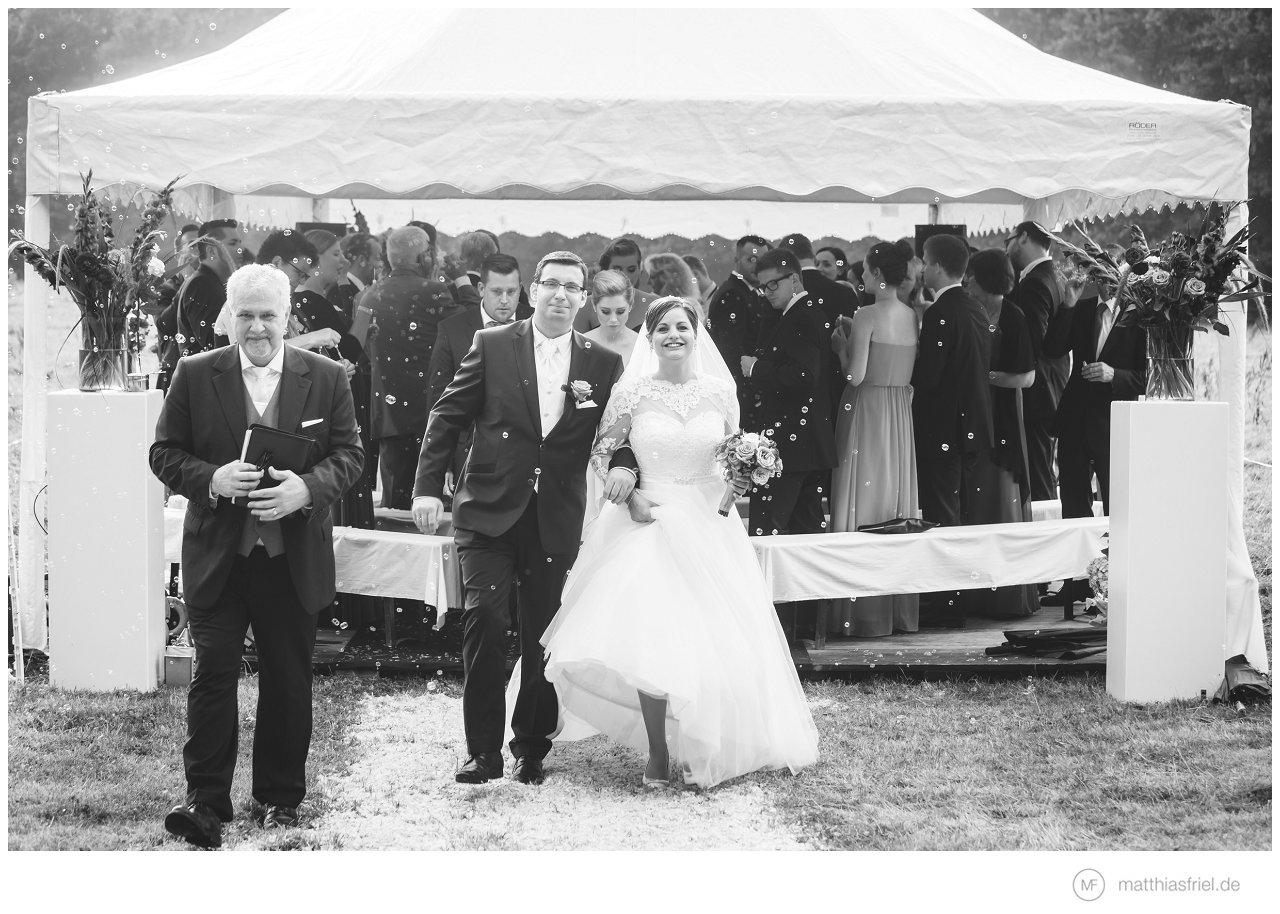 Hochzeit – stilvolle Landhochzeit Kastanienhof Deinste – Janina & Alex