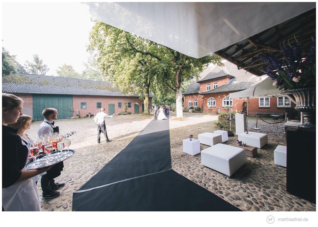 hochzeit-kastanienhof-janina-alex-matthias-friel_0036